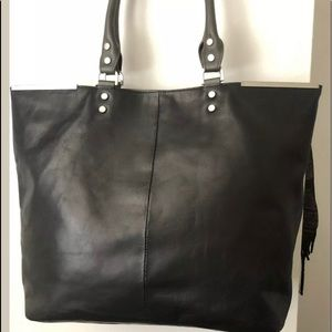 Kenneth Cole Blk Tote Leather Handle It Over